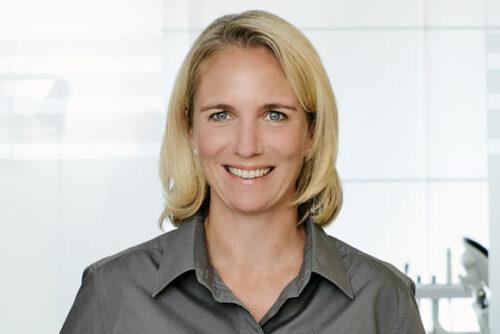 Dr. Jana Höschel, Zahnärztin / Tätigkeitsschwerpunkt Kieferorthopädie - Fachpraxen für Kieferorthopädie - Mönchengladbach, Düsseldorf, Meerbusch